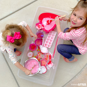 kids valentine sensory play